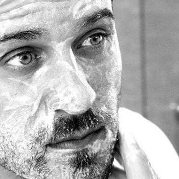 Gommage visage homme : l'essentiel pour bien soigner votre peau !