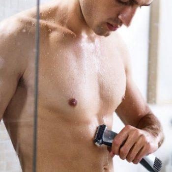 Comment vous raser sous la douche (si vous le devez…)