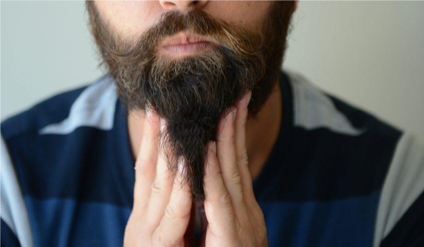 appliquer du baume à barbe