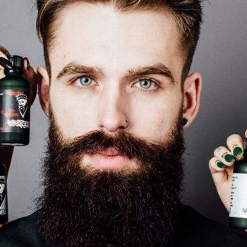 Devez-vous appliquer de l'huile à barbe avant le coucher ?